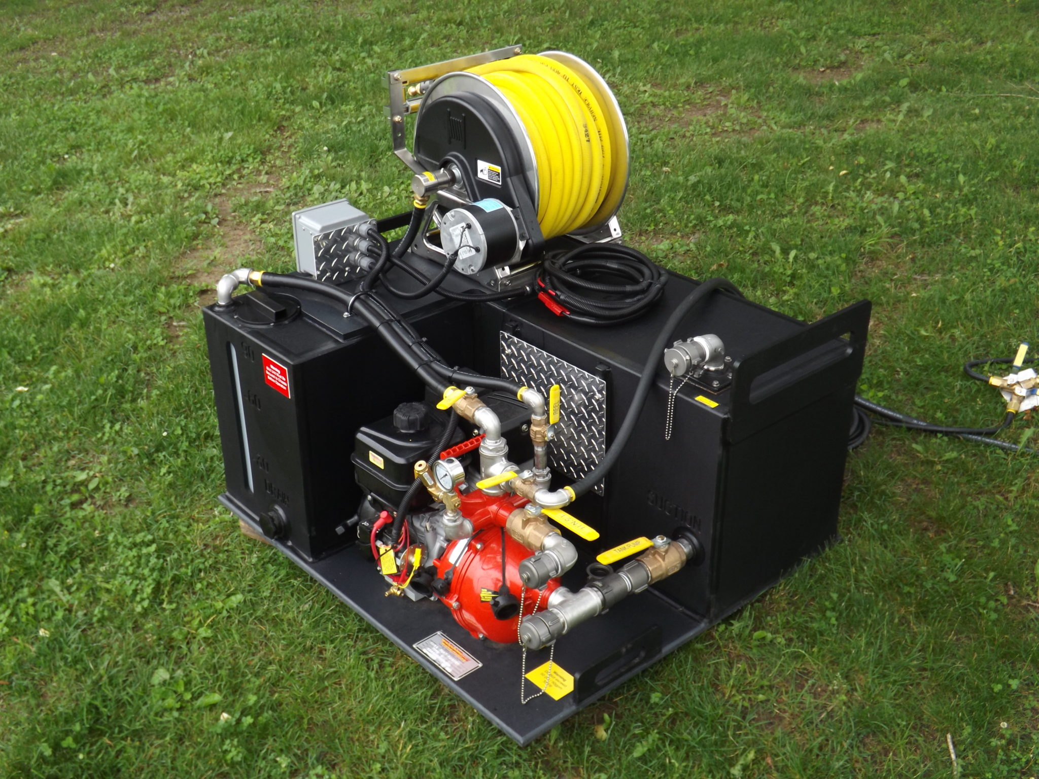 <p><strong>8</strong><br><em>L-Type with optional 6HP electric start pump and reel.</em></p>